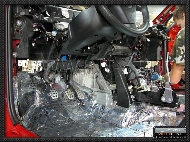 Сделали Mazda 3 MPS вот фото-отчёт: Шумоизоляция СТАНДАРТ.  Два стэлса в багажнике и поднимающийся фальш пол, под...